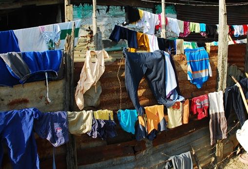 La ropa se cuelga donde se pueda